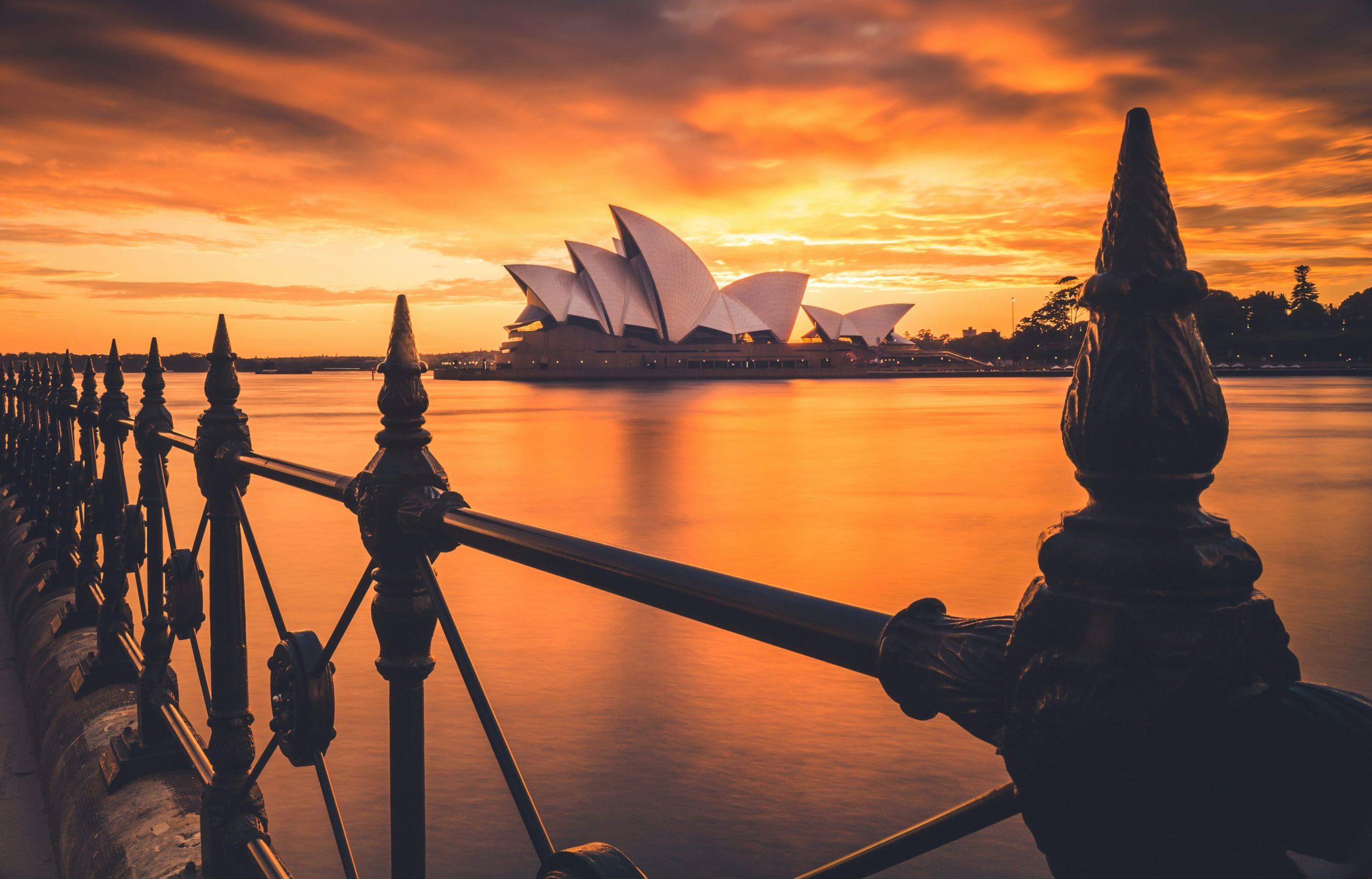 sydney opera house-min